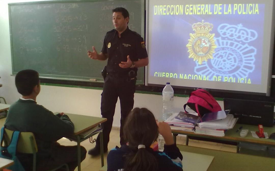 PUENTE DE VALLECAS 警察局安全讲座通知