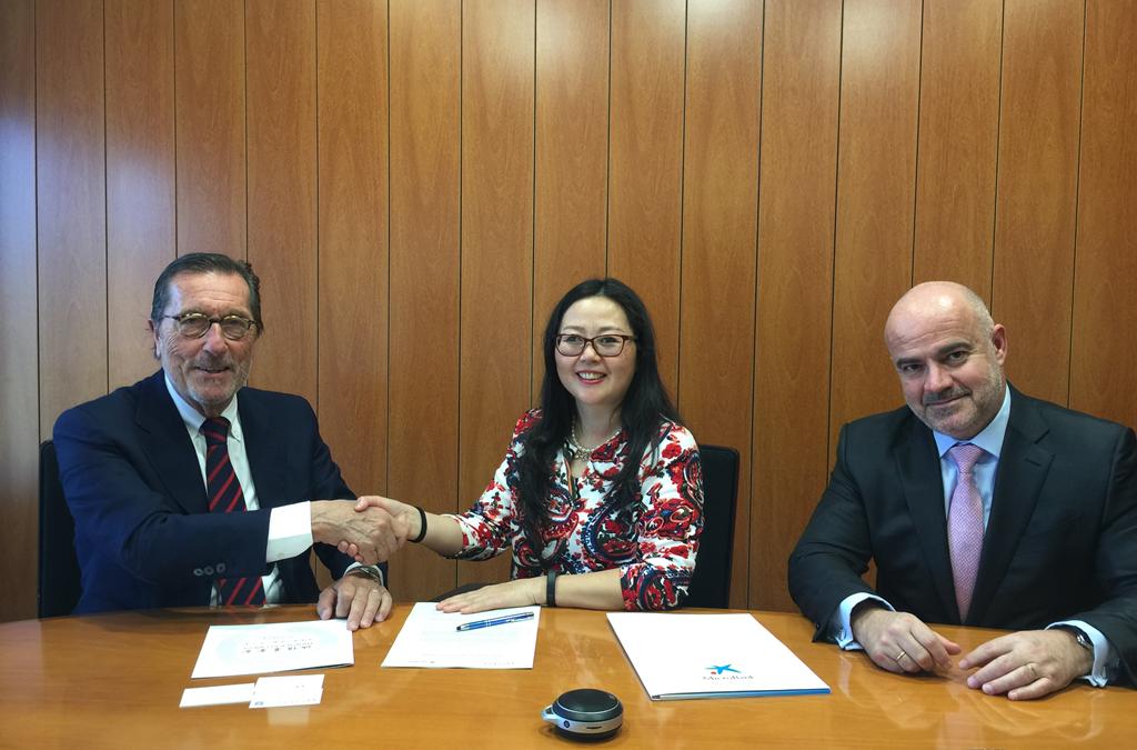 诚信基金会与 MICROBANK 签订协议:免费帮侨胞申请小额贷款