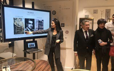 苏亚雷斯老板邀请华人朋友参观珠宝制作过程